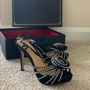 Dressy evening shoes perfect for #holidays #party